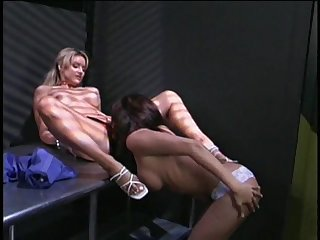 Stunning lesbian spreads her legs for a great fuck with a brunette
