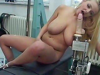 Enjoy Titiana bouncing on the fucking machine. Check out this fat blonde with a nice ass and natural big tits getting some action in her trimmed pussy.