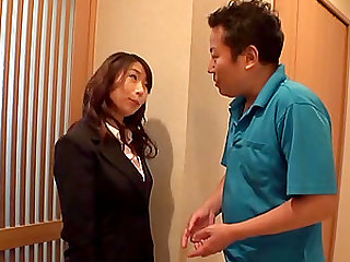Work colleague helps Shinoda Ayumi and holds her vibrator for her