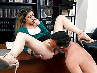 Kristen Scott's tight pussy penetrated well by a horny fellow