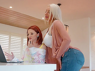 Lola Fae gets her pussy eaten in the bathroom by lesbian Nicolette Shea