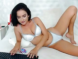 Sexy young girl on webcam Mishamia