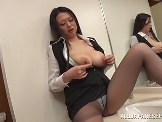 Amateur video of sexy Nachi Kurosawa giving a blowjob in POV