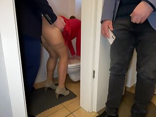 Wife Is Fucked By The Ceo In The Office Restroom - Husband Secretly Watches