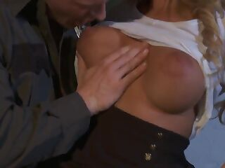 Nicole Aniston fucks with a strong sergeant